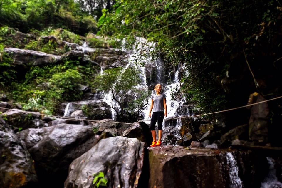 Vietnam: Op de helft van de waterval!