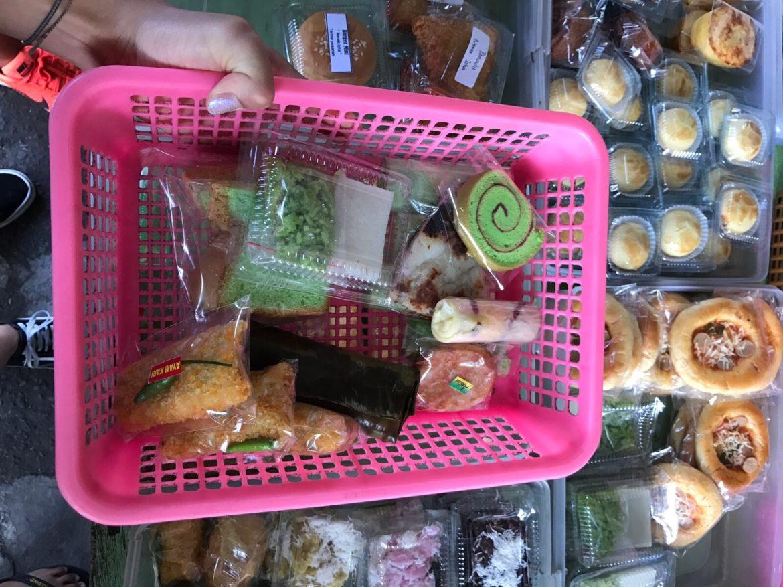 Bali:Ontbijt / snoepgoed bij de lokale markt