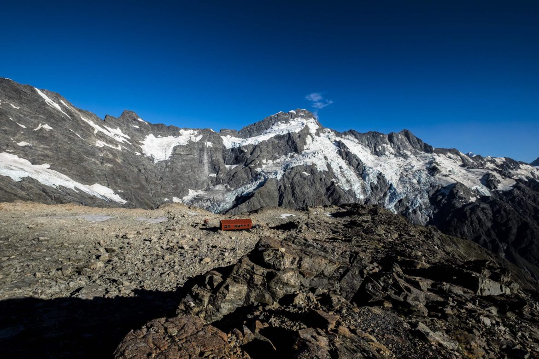 mueller track hut 1800m New Zealand
