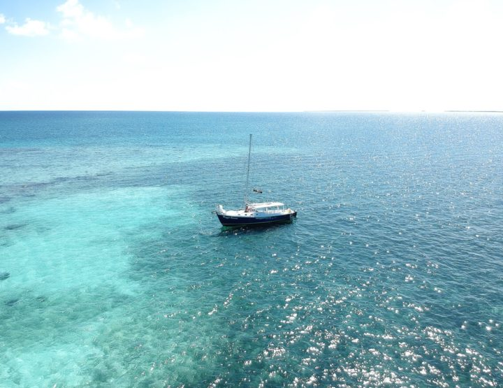 Must do: an overnight sailing trip in Belize with Raggamuffin
