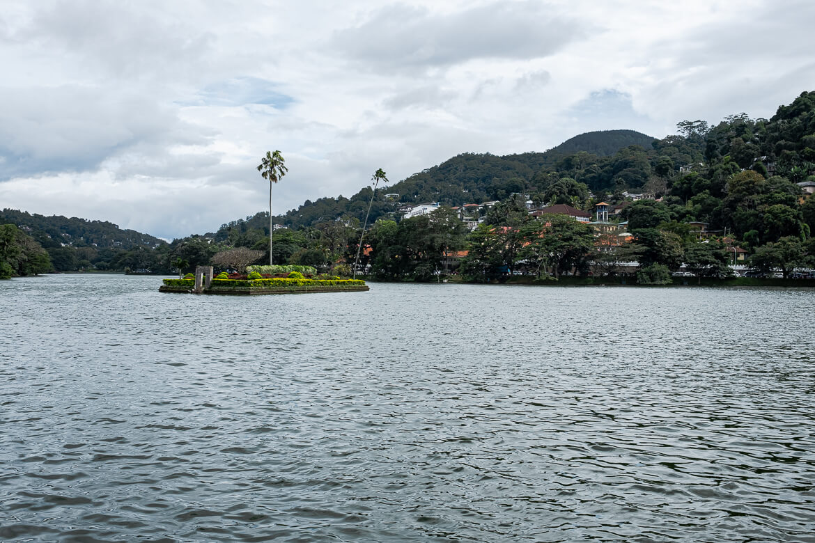 Kandy's Lake
