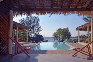 Hotel guide Madagascar Domaine du Mandravasarotra Mahajanga