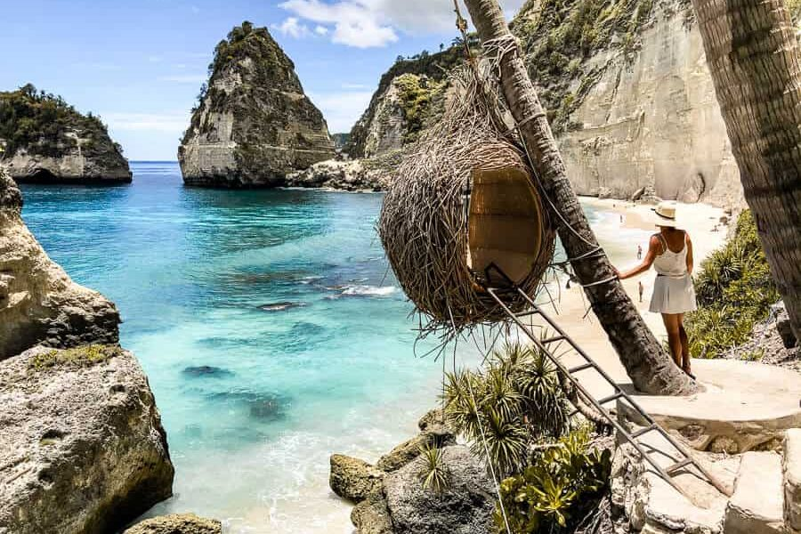 Travel guide Nusa Penida Best Beaches Bali Indonesia