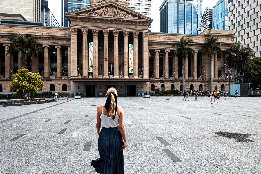 Travel Guide Brisbane City Hall square