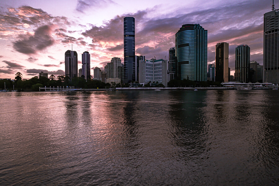 Travel Guide Brisbane Sunset seen from riverside