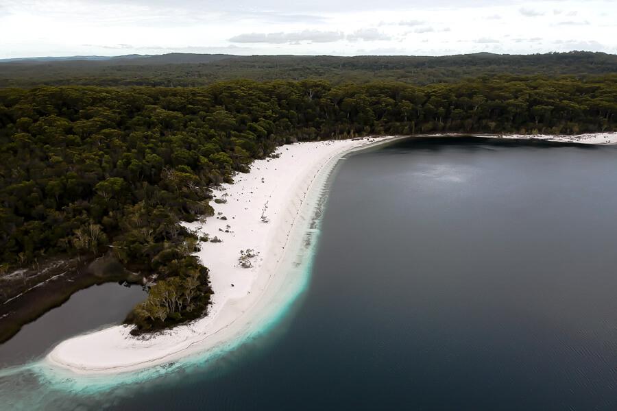 Travel Guide Fraser Island Lake McKenzie