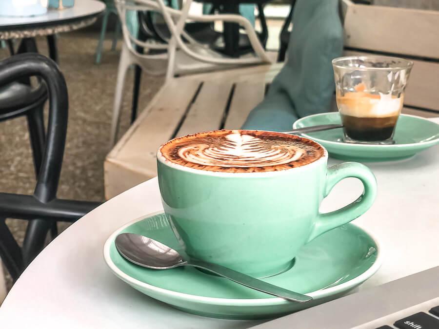 Travel Guide Noosa Cafe le Monde