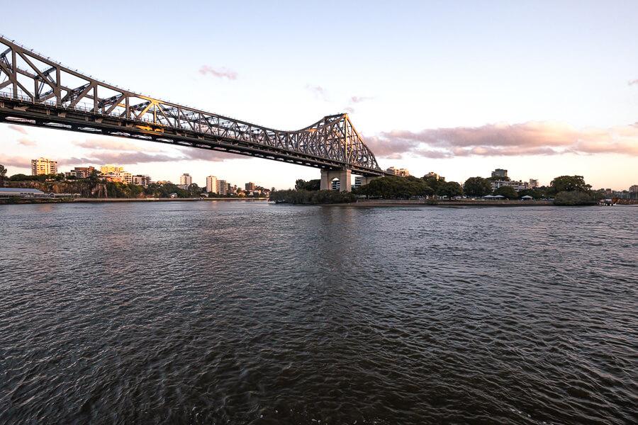 Travel guide Brisbane Story Bridge