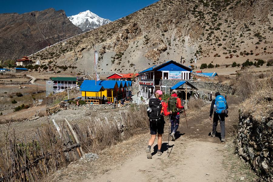 Nepal group trekking Annapurna CIrcuit Himalaya