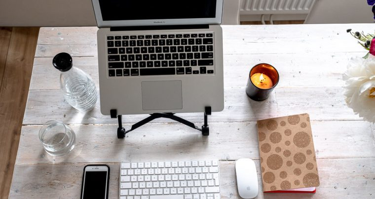 The best home office setup and digital nomad gear: 7 tips, essentials and equipment!