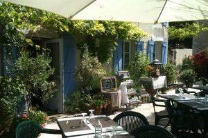 Logis Hotel La grange Du Relais Cote des bar