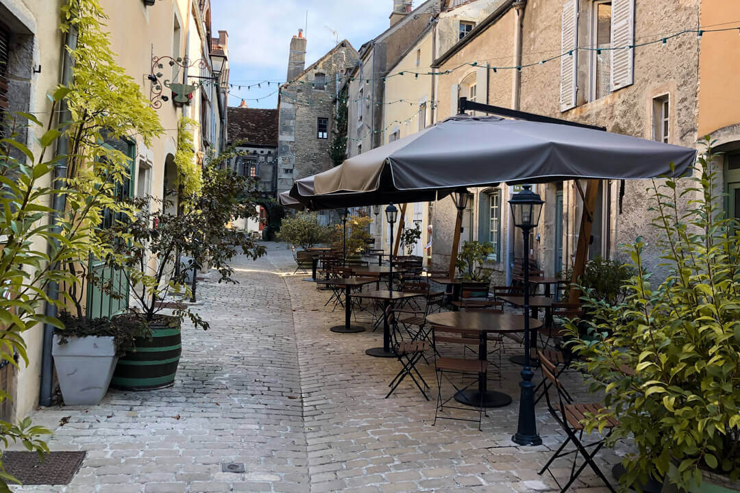 Best places to eat Noyers Burgundy France