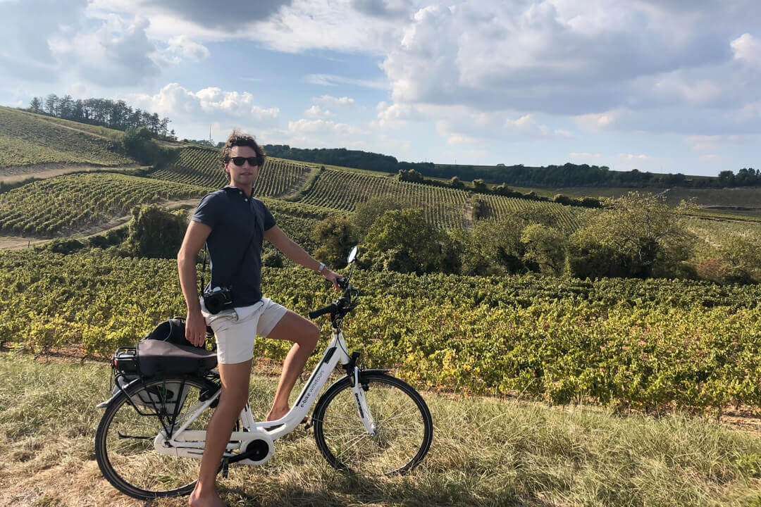 Electric Bike tour among vinyards in Chablis Burgundy France